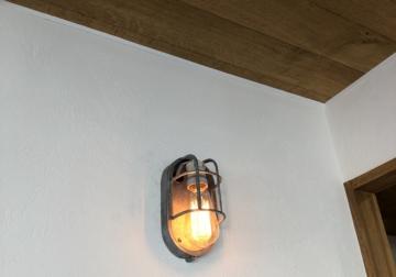 電球のブラケットライト